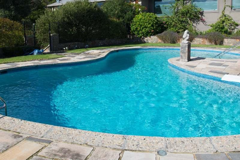 Renovating Your Swimming Pool